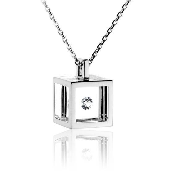 collier diamant cube