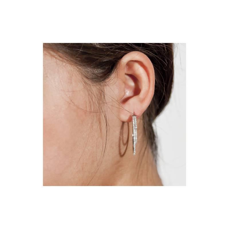 cr oles doubles diamants blancs boucles d 39 oreilles. Black Bedroom Furniture Sets. Home Design Ideas