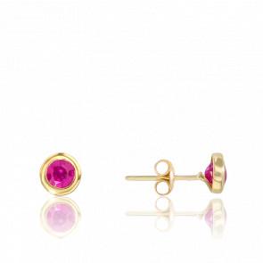 Puces d'oreilles rubis serti clos & or jaune 18 carats