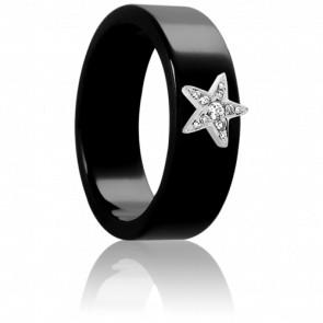 Bague en ceramique noire, étoile en or blanc 18K et diamants