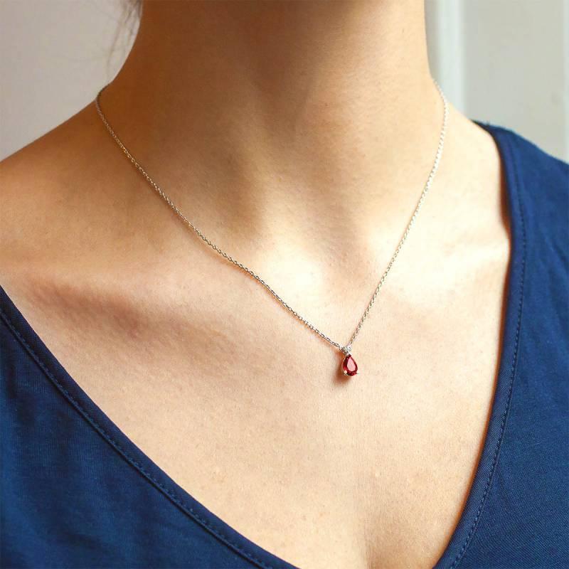 collier goutte rouge collier en or blanc 18k rubis et diamant de la marque joelli ocarat. Black Bedroom Furniture Sets. Home Design Ideas