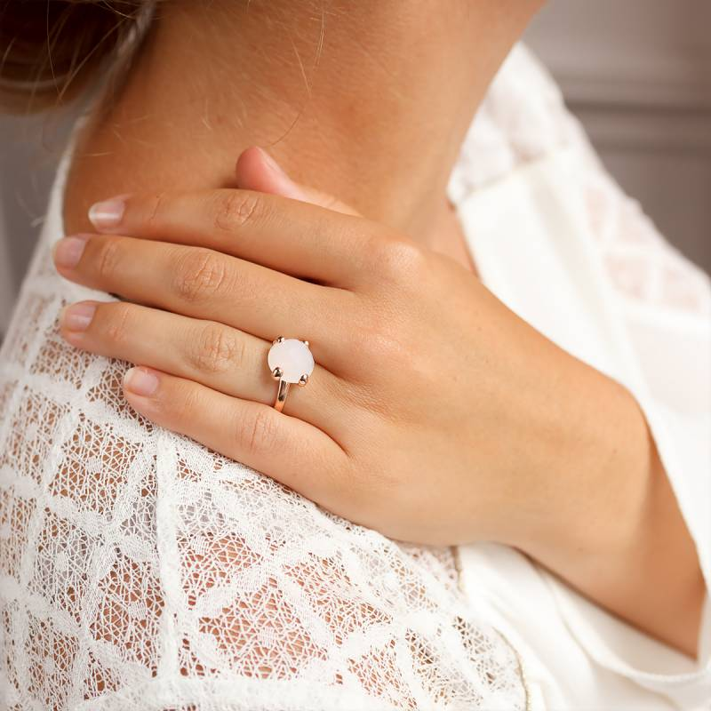 bague or blanc agate blanche