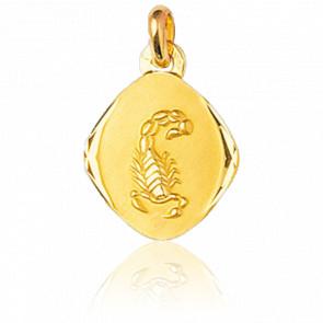 Médaille Zodiaque Facettée Scorpion Or Jaune 9K