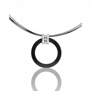 Collier Cosse de diamants en céramique noire, or blanc 9 cts et diamants 0.06 ct.