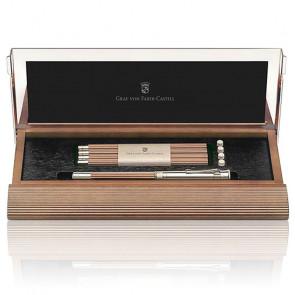 Un Stylo Graf Von Faber-Castell : Plumier n°1 Crayon Excellence Platine Cognac 118517