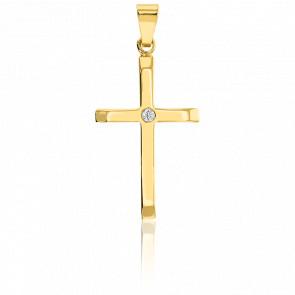 Pendetif croix latine or 9k et diamant 0,02 ct. W/P1