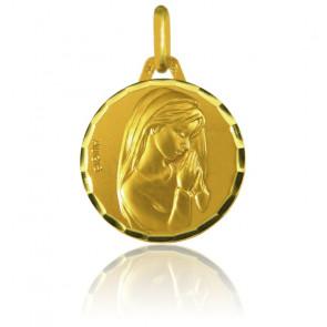Médaille Vierge mains jointes facettée Or Jaune 18K